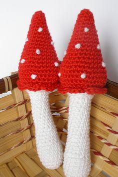 Amigurumi Mushroom, Crochet Mushroom, Amigurumi Toadstool, Waldorf Decor, Woodland Decor, Crochet Play Food, Amigurumi Play Food di IaiaHobbyCrochet su Etsy