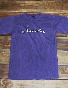 Follow the arrow to University of Central Arkansas! Show your school spirit cheer on your favorite Bears in this new UCA Comfort Color t-shirt! Go Bears!