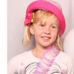 Bekijk deze inzending van de Bratz Benelux - Bratz wil meiden stimuleren om zichzelf te zijn. Upload een selfie met #IkBenBratz en laat zien wie JIJ bent. Iedereen mag meedoen! Be proud, be creative, be a Bratz en doe mee!  - https://contests.iconosquare.com/share/nl/bratz?justPosted=no&mediaId=2406-0691167001447444048