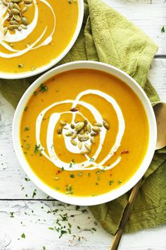 AMAZING 30-Minute Curried Butternut Squash Soup! Creamy, flavorful and perfect for fall! #vegan #glutenfree #soup #squash #fall #recipe #healthy