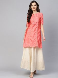 Coral pink solid straight kurta with gotta patti work, has a tie-up neck, short sleeves, straight hem, side slits