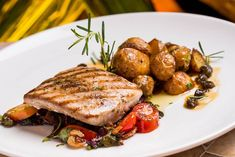 Especial Páscoa: receita de peixe com batatas calabresa (Foto: Divulgação)