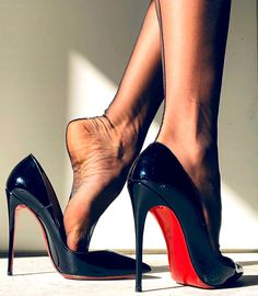 Hot Heels, Sexy Legs And Heels, Black High Heels, Pantyhose Heels, Stockings Heels, Stockings Lingerie, Gorgeous Feet, Killer Heels, Women's Feet