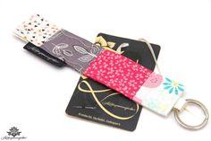 Geschenk für die beste Freundin: Schlüsselanhänger von #Lieblingsmanufaktur: pink, beige, weiß