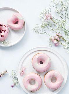 ... summer strawberry doughnuts with white chocolate glaze ...