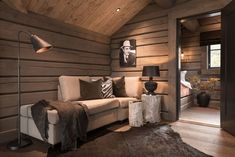 Modern Lodge, Modern Rustic Homes, Rustic Houses, Cabin Interiors, Rustic Interiors, Mountain Cottage, Mountain Cabins, Cabins And Cottages, Scandinavian Living