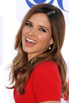 Seriously.. I think Sophia Bush is probably one of the most naturally stunning women ever.. She is gorgeous!! Can one tree hill please come back