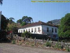 Casa sede de fazenda em Minas Gerais, Brasil.  Fotografia: http://www.portalanaroca.com.br