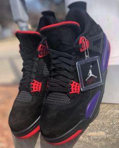 "First Look: Air Jordan 4 Retro ""Raptors"" Zapatillas Nike Basketball, Zapatillas Nike Jordan, Jordan Tenis, Sneakers Fashion, Shoes Sneakers, Jordans Sneakers, Sneaker Magazine, Fresh Shoes, Hype Shoes"