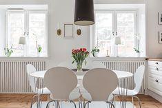 Björkbacksvägen 49, Bromma / Ulvsunda Rugs, Home Decor, Farmhouse Rugs, Decoration Home, Room Decor, Home Interior Design, Rug, Home Decoration, Interior Design