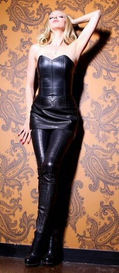 Spanx Leather Leggings, Leather Catsuit, Leather Pants, Crotch Boots, Leder Outfits, Sexy Corset, Leather Dresses, Leather Fashion, Dame