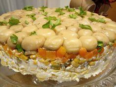 Εντυπωσιακή σαλάτα με κοτόπουλο και μανιτάρια. Ιδανική για μπουφέ 2 Macaroni And Cheese, Salad, Chicken, Christmas Recipes, Ethnic Recipes, Food, Mac And Cheese, Essen, Salads