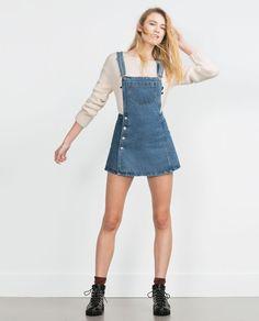 denim overall skirt Denim Dungaree Dress, Denim Dungarees, Denim Outfit, Jeans Dress, Overalls, Beautiful Outfits, Cool Outfits, Casual Outfits, Denim Fashion
