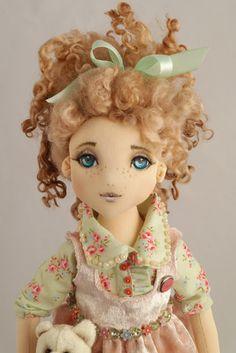 Коллекционная текстильная кукла Яна