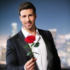 Flowers For Men, Arte 8 Bits, Bachelor, Single Rose, Flower Quotes, Best Friends Forever, Fantasy Creatures, Mobile Wallpaper, Imagenes De Amor