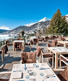 A guide to the top après-ski bars, restaurants, hotels and activities in the Swiss Alps.
