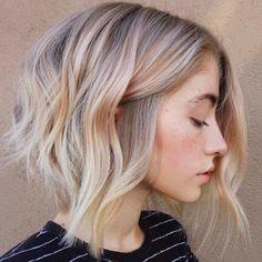 Wavy Lob Frisuren – Farbe & Styling-Trends Jetzt! // #Farbe #Frisuren #Jetzt #StylingTrends #wavy