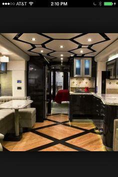 Art Extreme Luxury RV