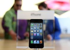 iPhone 5 release date brings huge crowds to Apple stores http://www.examiner.com/article/iphone-5-release-date-brings-huge-crowds-to-apple-stores