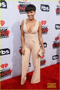 Keke Palmer & Meagan Good Step Out For iHeartRadio Music Awards Photo Keke Palmer and Meagan Good hit the 2016 iHeartRadio Music Awards held at The Forum on Sunday (April in Inglewood, Calif. The two actresses joined Karreuche… Meghan Good, Meagan Good Short Hair, Daily Fashion, Fashion News, Cool Short Hairstyles, Black Actresses, Keke Palmer, Black Women Fashion, Womens Fashion