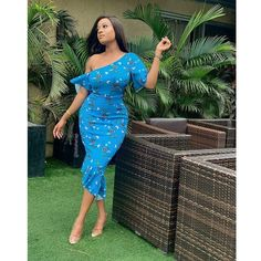 These are latest ankara styles that will give you that awesome look you need, ankara gowns, ankara skirt and blouse. They come in different designs just to make you look sweet. African Prom Dresses, Trendy Ankara Styles, African Dresses For Women, African Attire, Ankara Skirt, Ankara Gowns, African Clothes, African Fashion Ankara, African Fashion