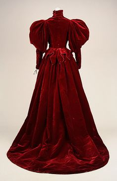 Red Silk Velvet Evening Dress by House of Worth c1893–95 With alternative Velvet long sleeve bodice Rear view