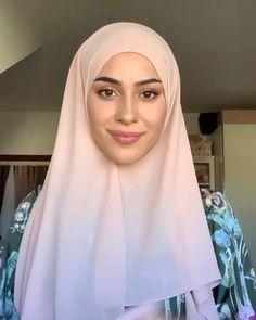 Modern Hijab Fashion, Hijab Fashion Inspiration, Muslim Fashion, Hijab Turban Style, Mode Turban, Easy Hijab Style, Simple Hijab Tutorial, Hijab Style Tutorial, Stylish Hijab