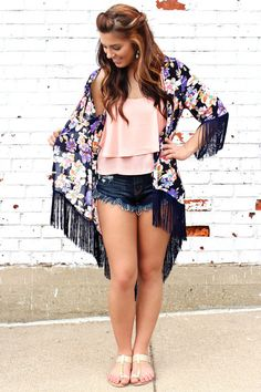Oversized Floral Fringe Kimono | uoionline.com: Women's Clothing Boutique