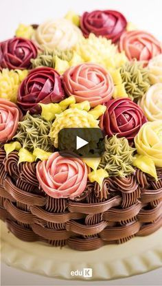 Click and check out a news from expert Janaina Barzanelli: brigadeiro, in point … – Lace Wedding Cake Ideas Creative Cake Decorating, Cake Decorating Videos, Cake Decorating Techniques, Creative Cakes, Birthday Wishes Cake, Happy Birthday Cakes, Deco Cupcake, Cupcake Cakes, Buttercream Flowers