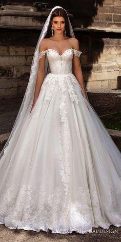 Longue traîne, dentelle, bustier, forma bouffante…. Les robes de contes de fées nous font littéralement rêver !! Voici notre sélection de robes de mariée dénichées sur le net, juste pour le plaisir d...
