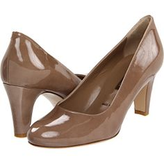 Shoes: Thicker heels are a good choice, as they are often more comfortable than thinner heels.