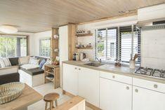 Een keuken waar een chef-kok u tegen zegt! #keuken #zeeland #decoratie #glamping #stoerbuiten