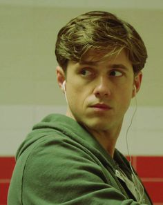Aaron Tveit as Mike Warren in Graceland. Most attractive photo ever.
