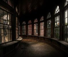 Some abandoned buildings are beautiful, scary or just plain boring. But when a hospital, hotel or church is abandoned, it can be a downright surreal place. Abandoned Buildings, Abandoned Places, Abandoned Asylums, City Buildings, Paradis Sombre, Hogwarts, Mansion Homes, Slytherin Aesthetic, New Wall
