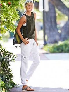 Linen Jogger Pant - The jogger style is making its way into the warmer months in cool, breezy linen with side pockets.