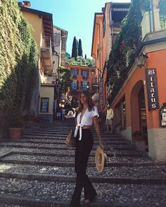 Early morning exploring Bellagio ( Bellagio Lake Como Italy ) // by Jessica Stein (@tuulavintage)