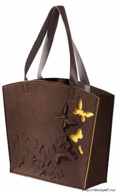 Фетр и мелочи для рукоделия Leather Bags Handmade, Handmade Bags, Tote Handbags, Purses And Handbags, Leather Bag Tutorial, Accessoires Divers, Felt Purse, Embroidery Bags, Denim Bag