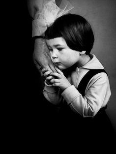 """""""Pessoas da Lituânia"""" by Antanas Sutkus.   Sutkus é um lituano nascido em 1939. Ele foi um dos fundadores e co-presidente da Sociedade de Arte fotográfica da Lituânia. (via ideia fixa)"""