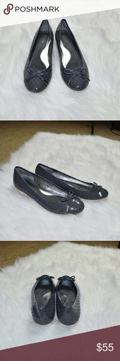 Calvin Klein Grey Metallic Snakeskin Flats In excellent condition. They looks and feel brand new. Extremely comfortable and look great with many outfits. Calvin Klein Shoes Flats & Loafers