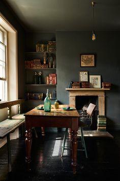 Interior Walls, Interior Design, Victorian Townhouse, Victorian House, Devol Kitchens, Cosy Corner, Atlanta Homes, Piece A Vivre, Cuisines Design