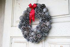 Pine Cones wreath Christmas Wreath Holiday wreath by mamwene