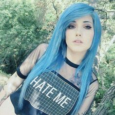 fc Leda Muir hey or whatever My name is Lexi They say Im emo I guess Im kinda sensitive I dont know I love BVB Panic At the Disco My chemical Romance Fall Out Boy and Ombre Pastel Hair, Bob Pastel, Purple Hair, Pastel Pink, Leda Muir, Scene Girls, Style Emo, Pelo Emo, Grey Hair Wig
