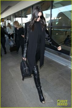 kendall jenner calls kylie the biggest bitch 03 Outfits Otoño, Fashion Outfits, Claire Marshall, Star Fashion, Womens Fashion, Style Star, Kendall And Kylie Jenner, All Black Outfit, Street Style Summer