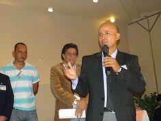 """Edwin Banegas, presidente electo de la OPPDH en su discurso: """"no pedir, no rogar, trabajar sin descanso y con honestidad""""."""