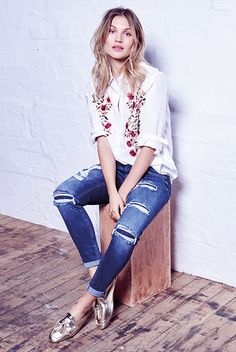 Pair your denim back with a relaxed embroidered shirt !!