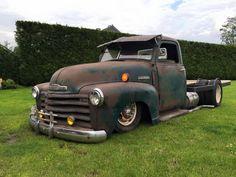 Flatbed big truck hauler Pic 1 Rat Rod Cars, Hot Rod Trucks, Dump Trucks, Old Trucks, Rat Rods, Dually Trucks, 1949 Chevy Truck, Classic Chevy Trucks, Chevrolet Trucks