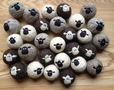 Sheepy 100 Wool Felt Dryer Balls by lynnslidsFestive Friday's: wool love for dryer balls 🐏_______________________________________________ wool dryer balls by LynnSlids via Etsy (reduce your energy consumption) __________________________________________ Sheep Crafts, Felt Crafts, Felted Wool Crafts, Fabric Crafts, Needle Felted Animals, Felt Animals, Wet Felting, Needle Felting, Wool Dryer Balls