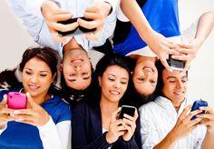 Οι άνθρωποι σε όλο τον κόσμο έχουν πρόσβαση στο διαδίκτυο μέσω των smartphones τους πιο συχνά από ποτέ. Μέχρι στιγμής το 2013, 17,4% της κίνησης στο διαδίκτυο έχει έρθει μέσω κινητού, το οποίο ποσοστό αντιπροσωπεύει μια αύξηση μεγαλύτερη του 6% σχετικά με το αντίστοιχο ποσοστό του 2012, όταν το 11,1% της κίνησης προήλθε από mobile συσκευές.  Read More: http://www.spinningsm.com/articles/oi-surfers-tou-diadiktyou-protimoyn-smartphones/