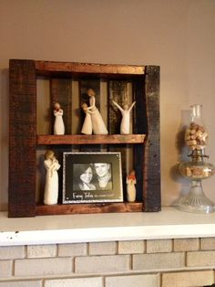 Pallets to display pictures and my willow trees! Love them!