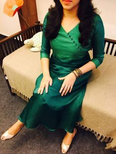 Best 12 Bottle green kurty chined neck design ping the rate 9746397711 – SkillOfKing. Churidar Neck Designs, Kurta Neck Design, Kurta Designs Women, Salwar Designs, Kurti Sleeves Design, Neck Designs For Suits, Designs For Dresses, Dress Neck Designs, Blouse Designs